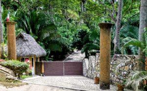 Selva Suites Entrance